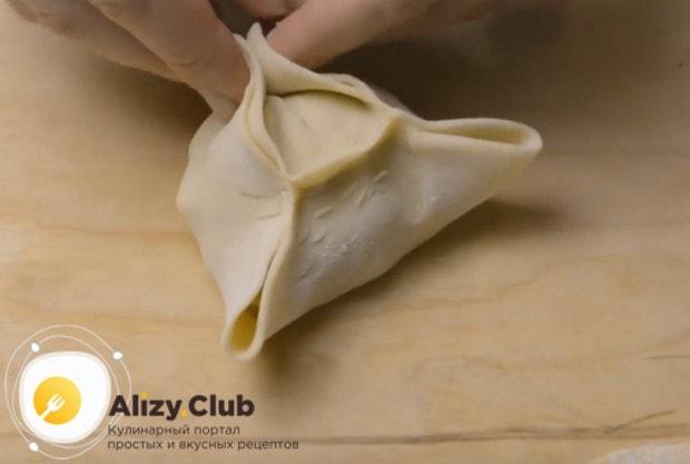 Посмотрите в нашем рецепте приготовления с фото, как правильно лепить манты.