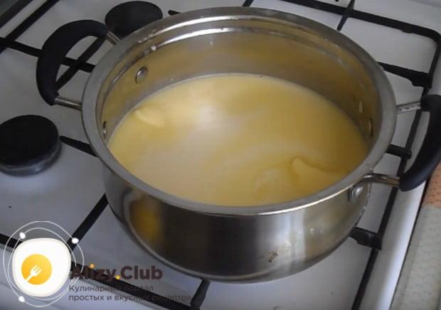 Варим суп до полного растворения масла.