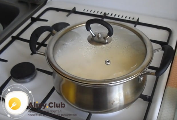 Теперь вы знаете, как просто и быстро приготовить молочный рисовый суп.