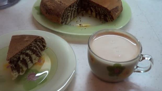 Вкуснейший мраморный кекс приготовленный в мультиварке готов.