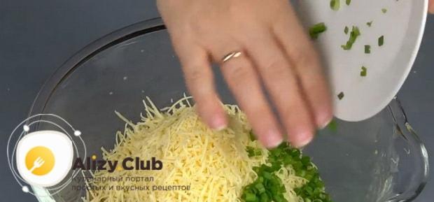 Попробуйте приготовить рваный пирог из лаваша с творогом и сыром