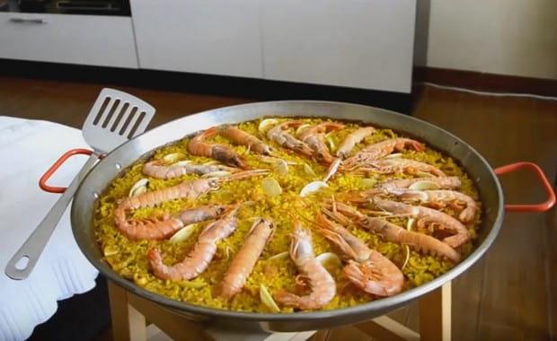 Как сделать классическую испанскую паэлью с морепродуктами по пошаговому рецепту с фото