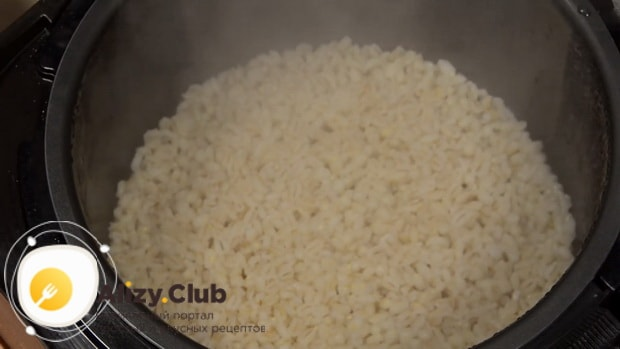 Как готовится перловая каша с мясом в мультиварке