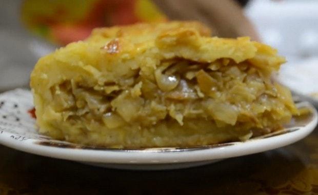 Как приготовить пирог с капустой из слоеного теста по пошаговому рецепту и фото