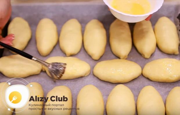 Как приготовить жареные пирожки с яблоками на сковороде по подробному рецепту