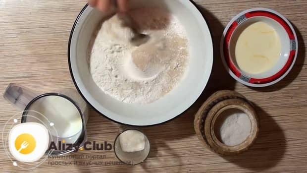 Попробуйте приготовить пирожки с ревенем в духовке