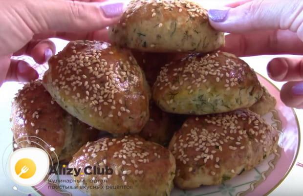 Детальный рецепт приготовления пирожков с творогом и зеленью