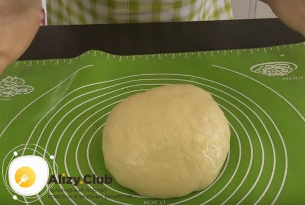 Тесто готово, можно формировать пончики.