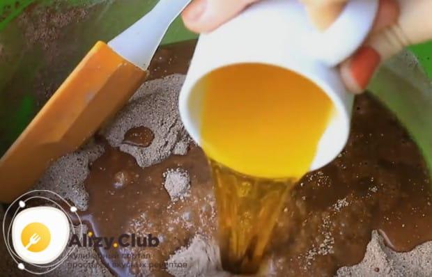 Дбавляем растительное масло.