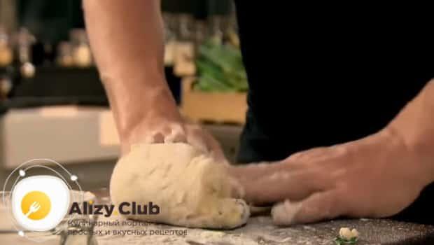 Замешиваем тесто для ньокки