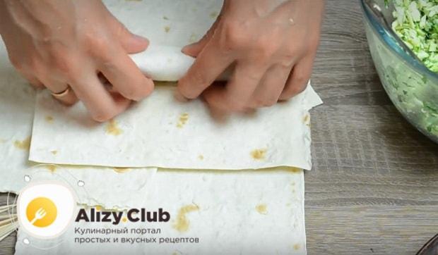 Готовим лаваш с сыром в яйце в домашних условиях