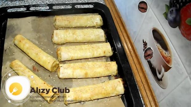 Вкусные пирожки из лаваша готовы.