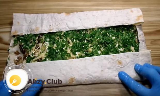 Готовим рулет из лаваша с грибами и сыром по детальному рецепту