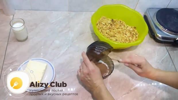 Как делать шоколадную колбаску из печенья по рецепту с фото.