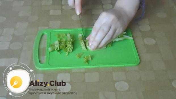 Лучший рецепт приготовления салата красная шапочка с помидорами и курицей
