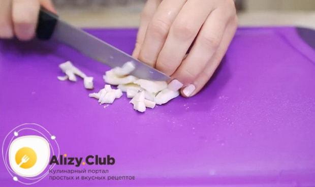Попробуйте приготовить салат нежность с курицей и черносливом