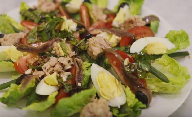 Как приготовить классический салат «Нисуаз» с тунцом по пошаговому рецепту с фото