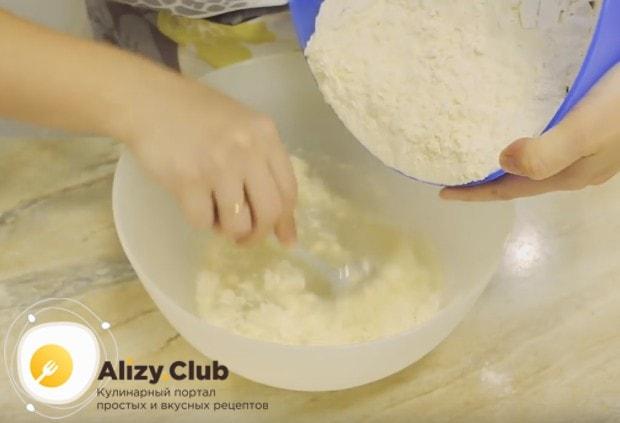 Рецепт теста для самсы в духовке на самом деле очень простой.
