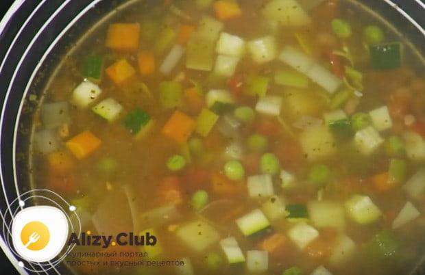 Настоящий итальянский суп минестроне готов!