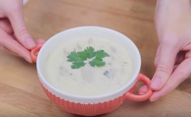 Пошаговый рецепт сырного супа с грибами