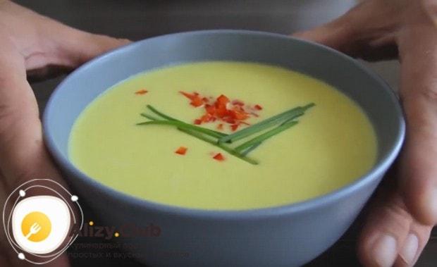 Попробуйте приготовить такой легкий, нежный и очень ароматный супчик!