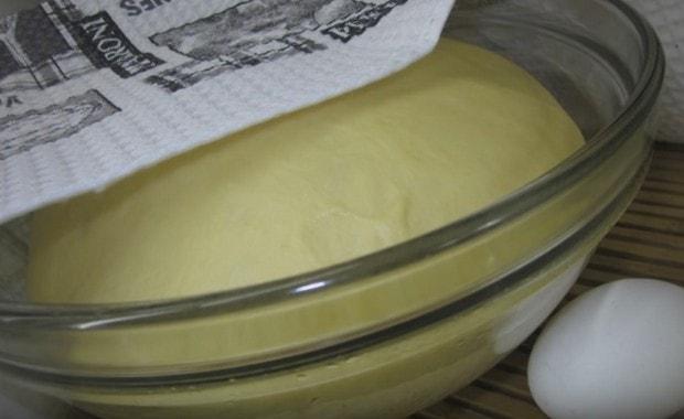 Как сделать тесто на сметане для пирожков по пошаговому рецепту с фото