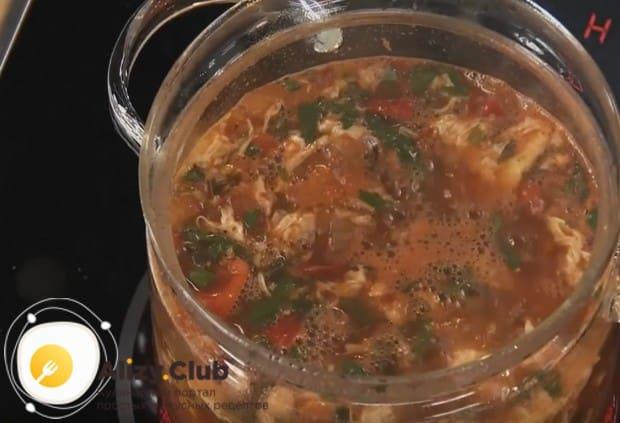 Попробуйе приготовить такой вкусный томатный суп с морепродуктами по нашему рецепту с фото.