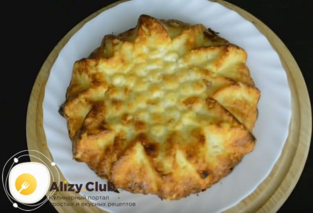 Приготовьте в духовке такую замечательную творожно-манную запеканку по нашему рецепту!