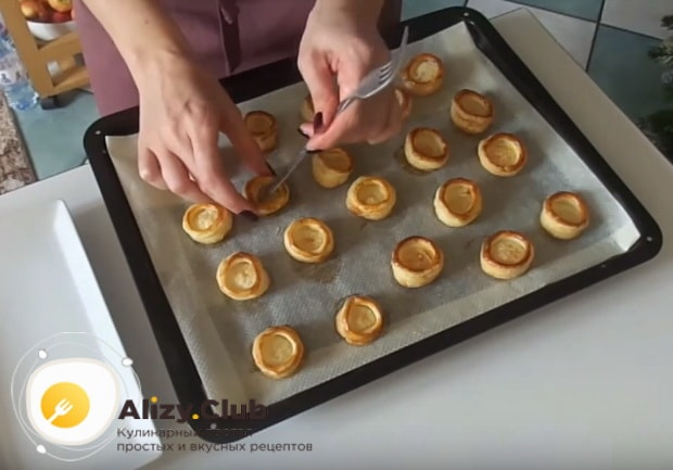 Как приготовить волованы с курицей и грибами по детальному рецепту