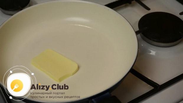 Для приготовления яблочного штруделя, растопите мало