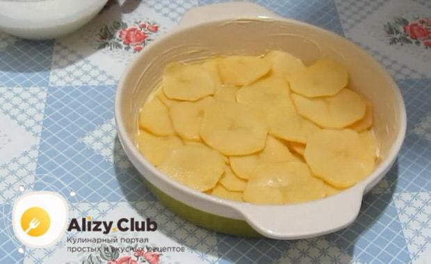 Смотрите как готовится картофельная запеканка как в детском саду