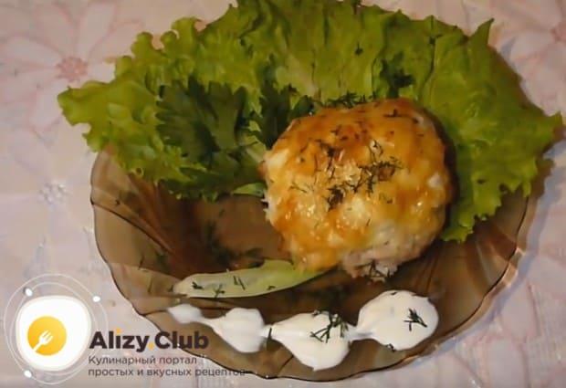 Попробуйте приготовить вкусные мясные зразы с сыром по нашему рецепту с фото.