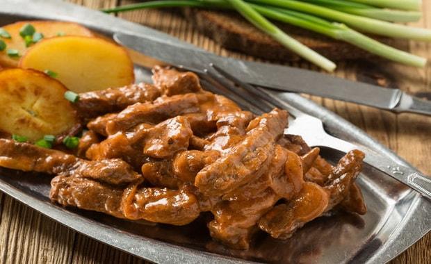 Как приготовить вкусный бефстроганов из свинины по пошаговому рецепту с фото