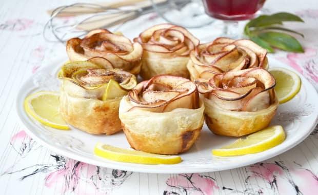 Как испечь булочки розочки с яблоками по пошаговому рецепту с фото