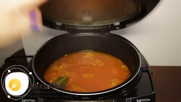 Вкуснейший фасолевый суп в мультиварке готов.