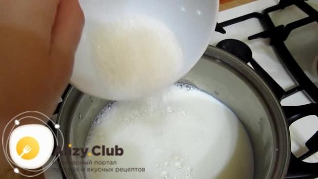 Пока гречка настаивается, приступаем к приготовлению молока