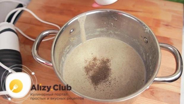 Пробуем суп на соль и при необходимости досаливаем