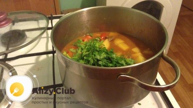 Закладываем клецки в суп и ждем, когда они всплывут
