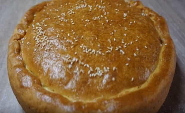 Пошаговый рецепт лукового пирога с плавленым сыром