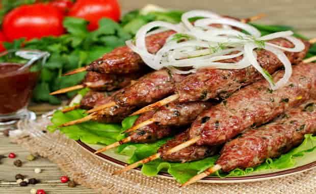 Как приготовить люля-кебаб из говядины на мангале, сковороде и духовке