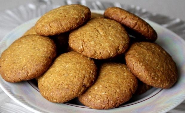 Пошаговый рецепт приготовления медового печенья