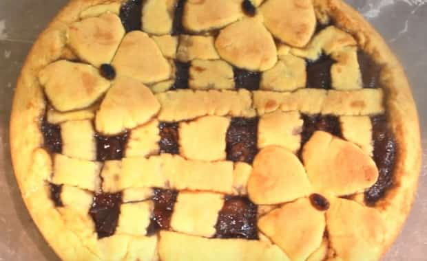 Пошаговый рецепт песочного пирога с вареньем