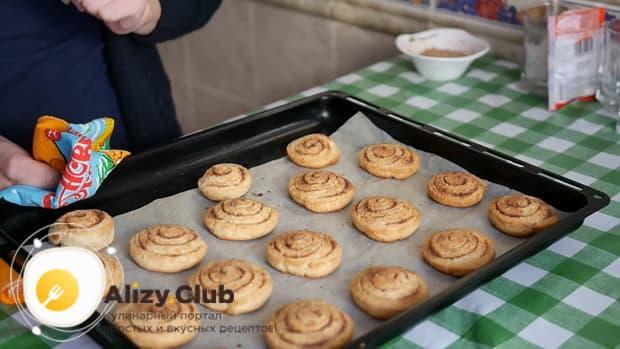 Вкусное печенье на кефире готово.
