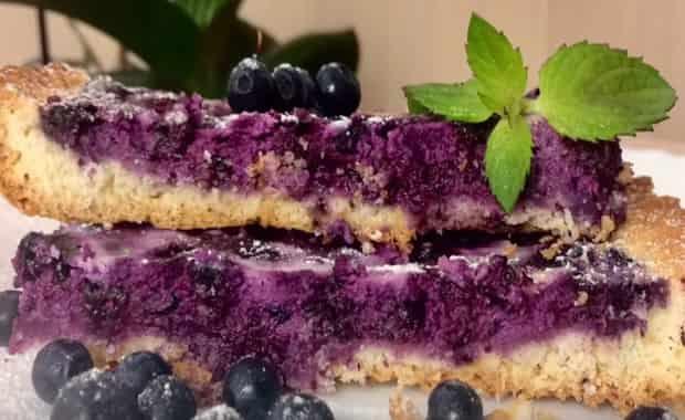 Пошаговый рецепт пирога с творогом и черникой