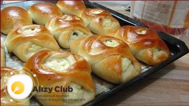 Готовим вкусные пирожки с творогом из дрожжевого теста