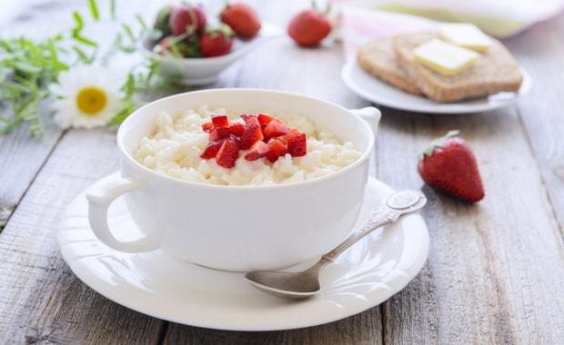 Как приготовить вкусную рисовую кашу на молоке по пошаговому рецепту с фото
