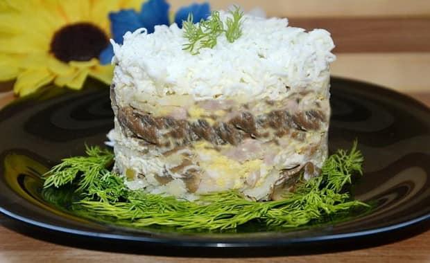 Как приготовить салат с копченой курицей по пошаговому рецепту с фото