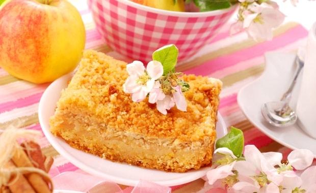 Пошаговый рецепт тертого пирога с яблоками