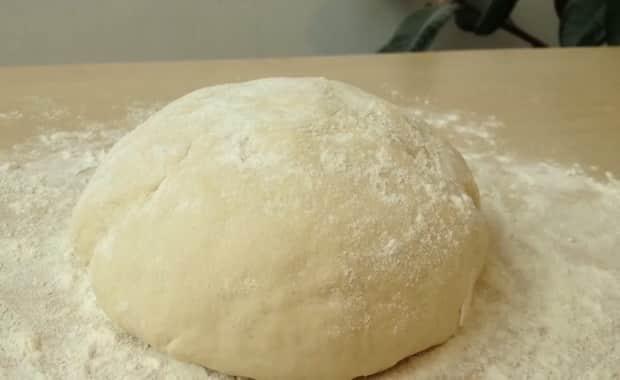 Как сделать тонкое тесто для пиццы в домашних условиях по пошаговому рецепту с фото