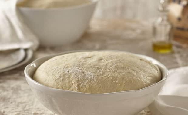 Как сделать воздушное дрожжевое тесто для пирожков по пошаговому рецепту с фото